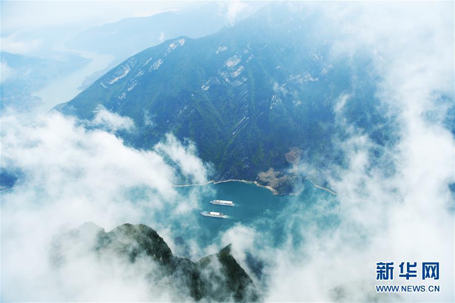 (环境)(2)云雾缭绕瞿塘峡