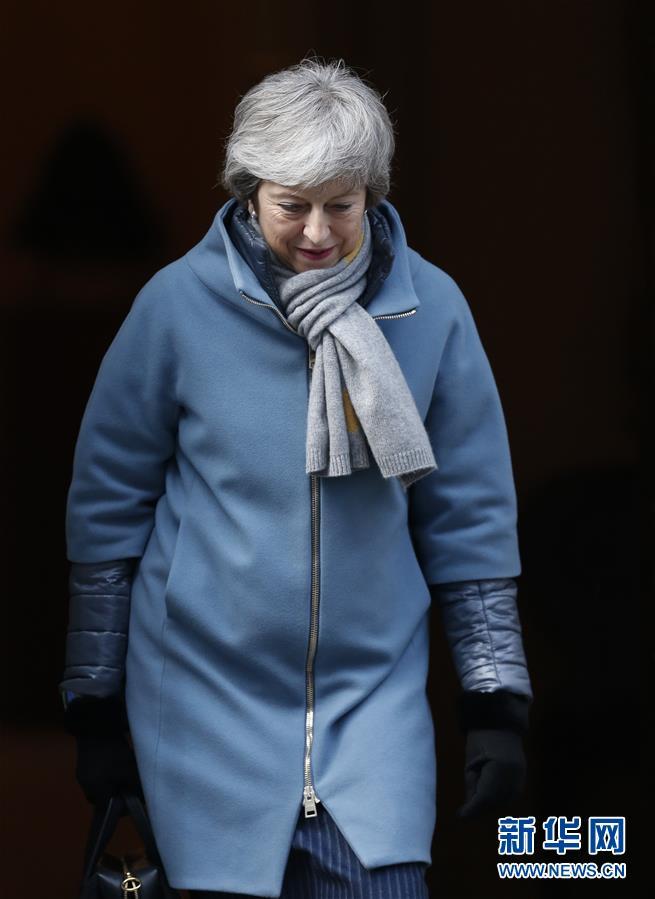 """(国际)(1)英国首相致函欧洲理事会主席要求延期至6月底""""脱欧"""""""