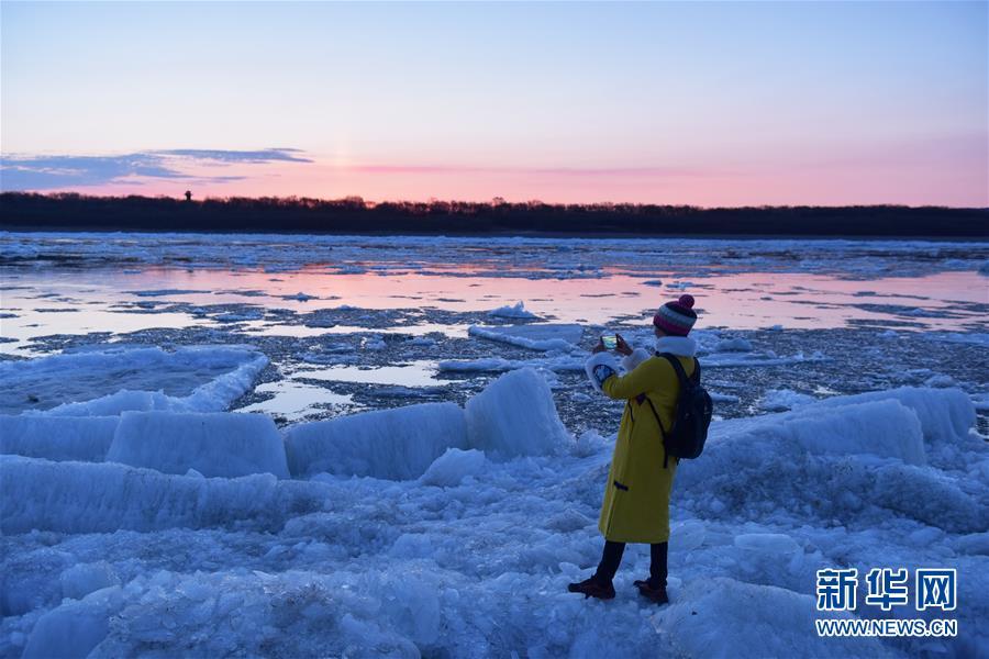 #(环境)(3)黑龙江呼玛:跑冰排景象引游人
