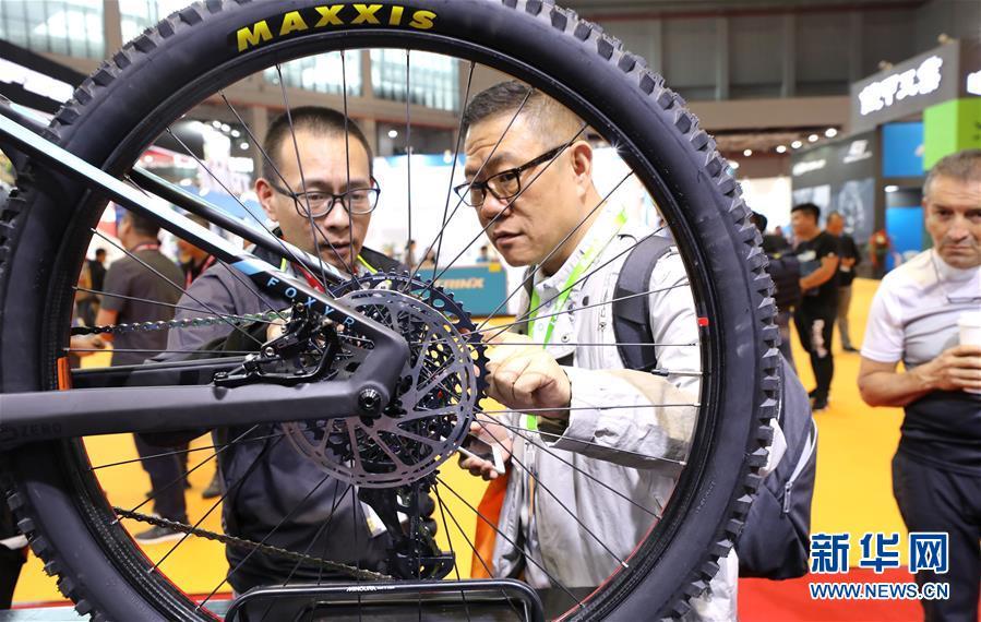 (社会)(6)第29届中国国际自行车展览会在沪开幕