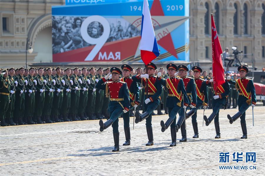 (国际)(1)俄罗斯举行胜利日阅兵式彩排