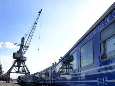 """(国际·图文互动)(4)通讯:""""这完全是量身定制""""——中国车辆助力古巴铁路客运"""