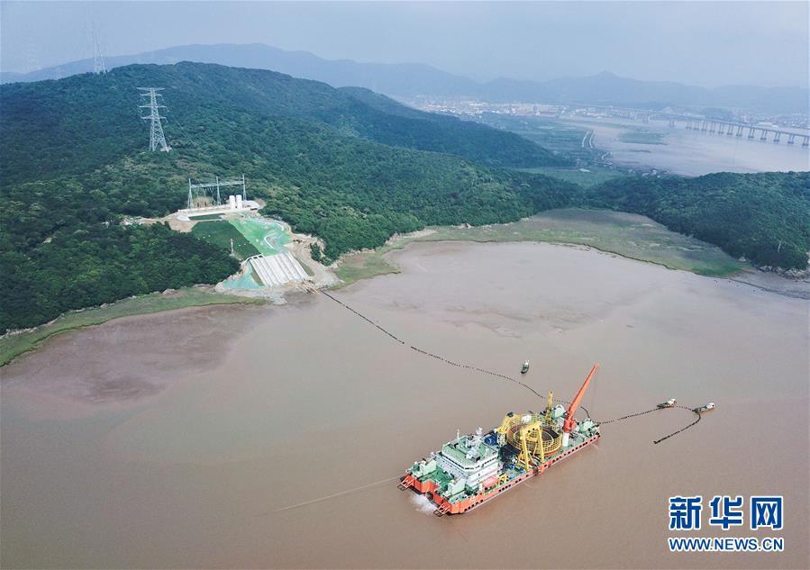 (經濟)(1)浙江舟山500千伏交聯聚乙烯海纜敷設工程完工