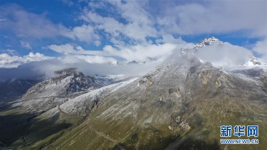 """(环境)(1)新疆塔什库尔干:""""云端牧场""""生态美"""