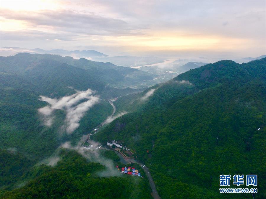 (环境)(3)福州:雨后青山美