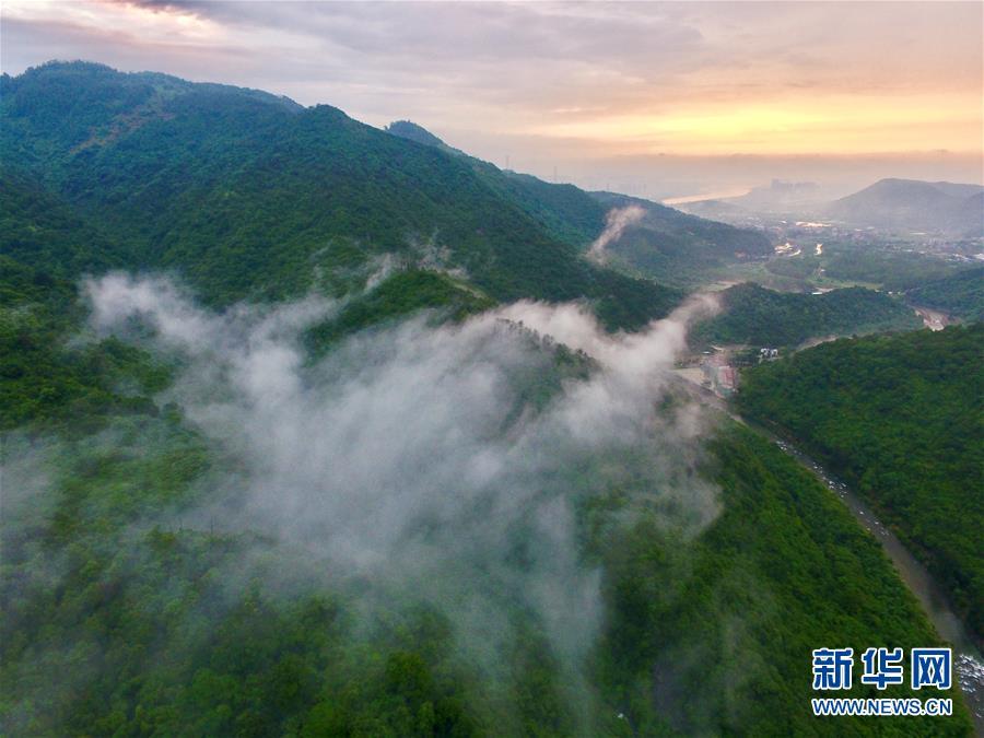 (环境)(5)福州:雨后青山美