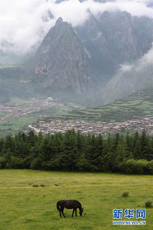 (美丽中国)(3)雾中仙境——扎尕那