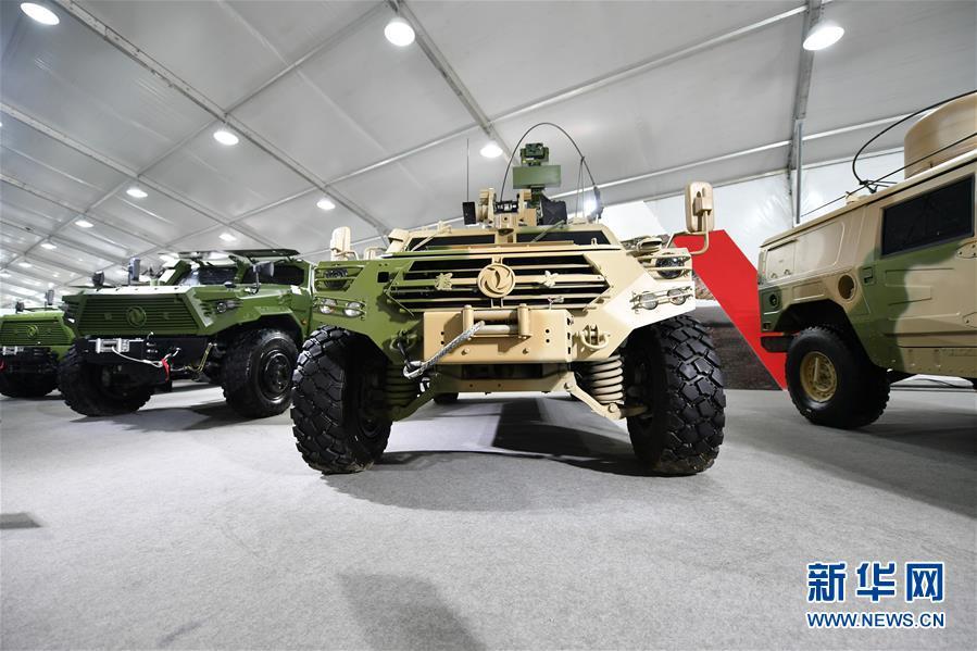 (社会)(1)天津:防务车辆装备展 带你过足瘾