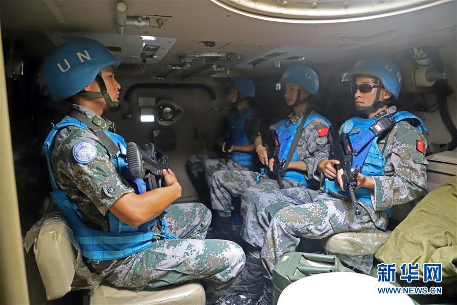 (国际)(1)中国赴黎维和部队成功举行安全保障演习