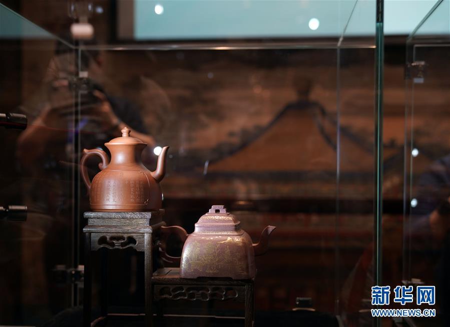 (社会)(1)仿宫廷紫砂器监制项目亮相故宫博物院