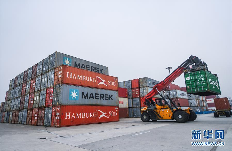 (经济)(3)浙江湖州港内河集装箱年吞吐量突破50万标箱 外贸增长显著