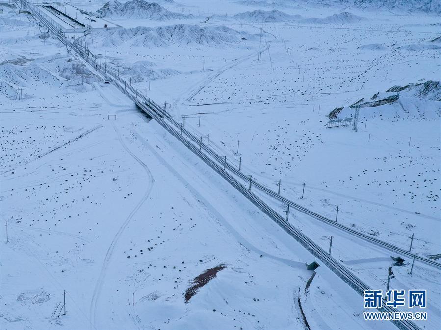 (经济)(1)敦煌铁路全线开通运营