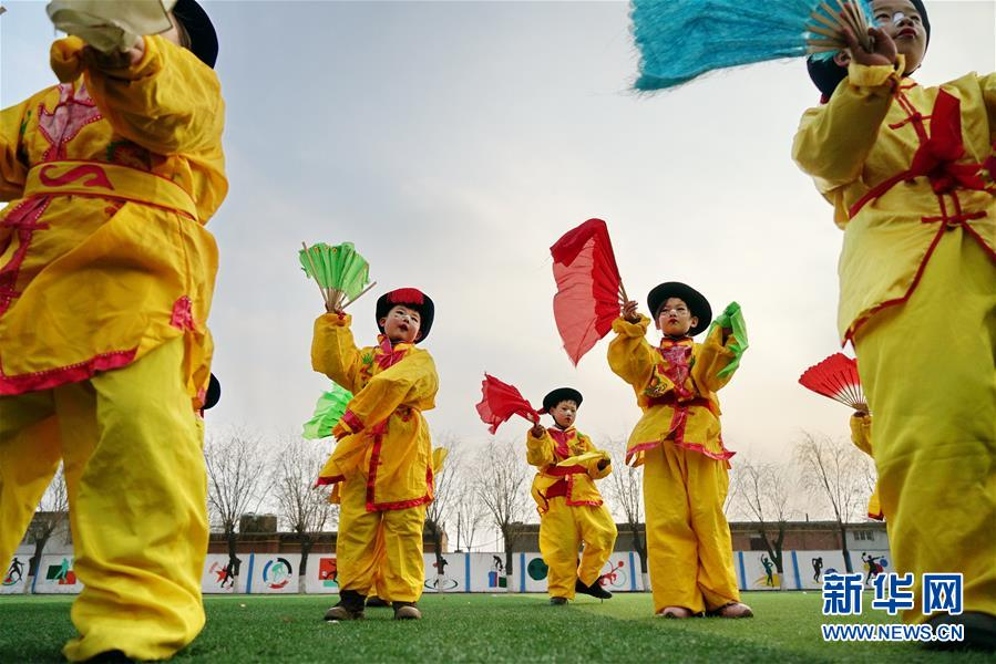 """(文化)(1)河北滦州:非遗地秧歌校园""""传薪"""""""