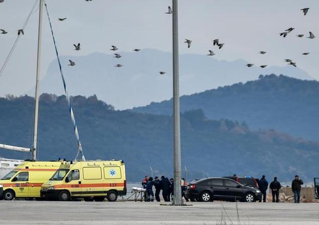 (国际)(2)一难民船在希腊附近海域沉没12人死亡