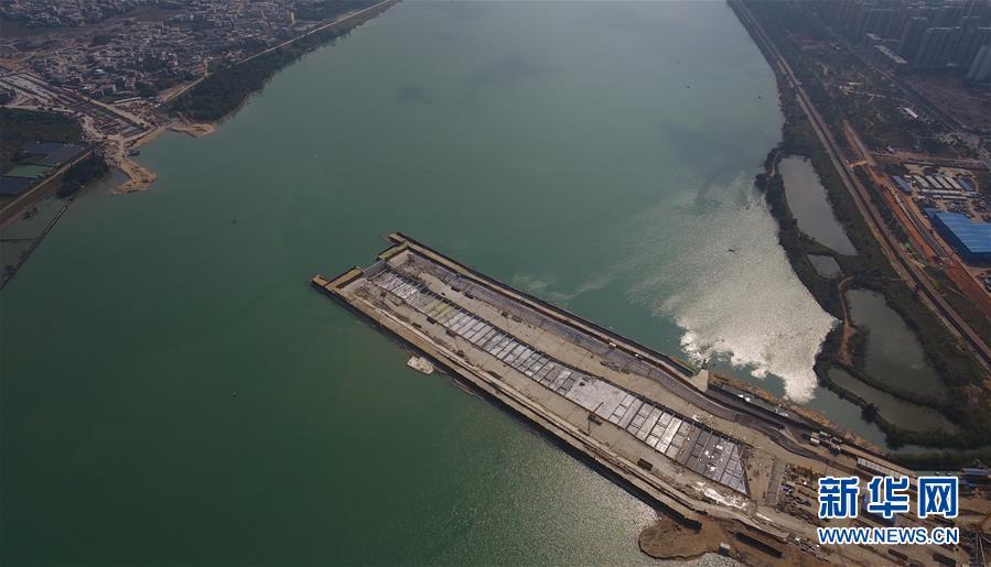 (社会)(1)海口文明东越江通道项目二期围堰内隧道主体结构封顶完成