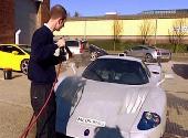 他是世界上最会洗车的人 给人洗次车要价5万