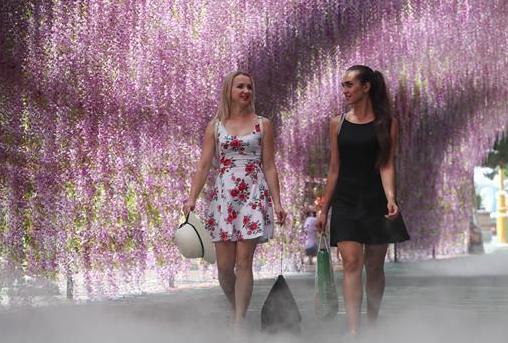(社会)(7)俄罗斯姑娘列娜的中国生活