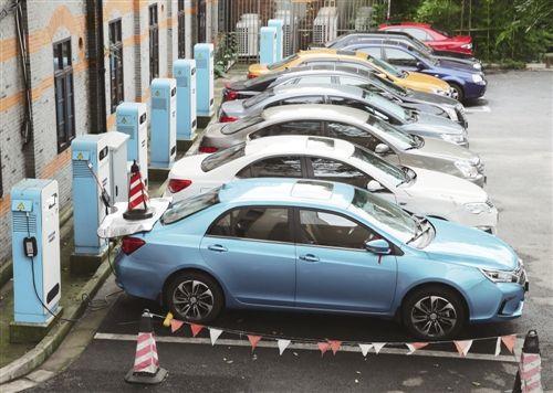 经济频道 正文            这10家拿到牌照的新能源汽车生产企业,无论