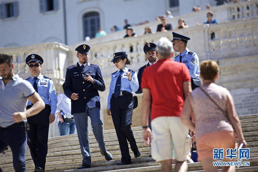 (国际)(1)中国意大利两国警方在意开展警务联合巡逻