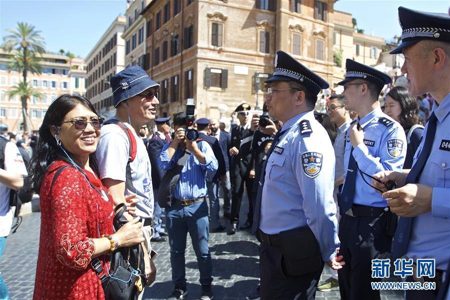 (国际)(4)中国意大利两国警方在意开展警务联合巡逻