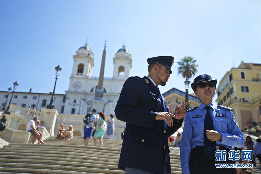 (国际)(5)中国意大利两国警方在意开展警务联合巡逻