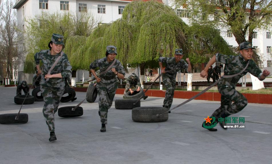 中国男兵图片帅气