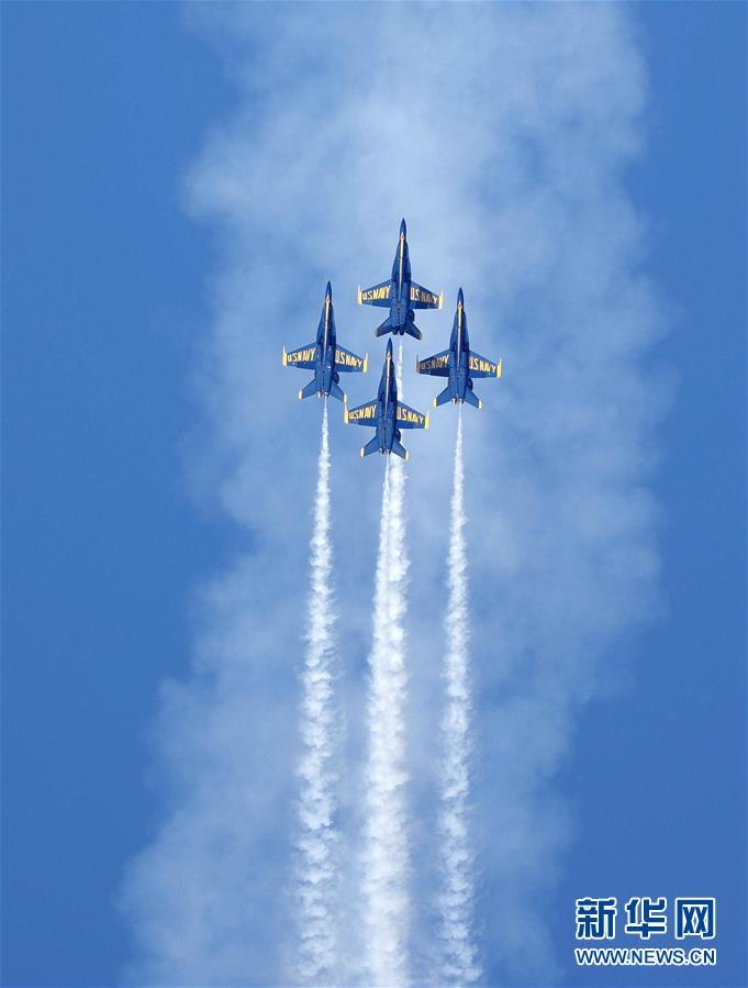 (国际)(1)美国旧金山举行舰队周飞行表演