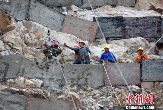三亚向废弃矿山要绿地2017年修复35个废弃矿山