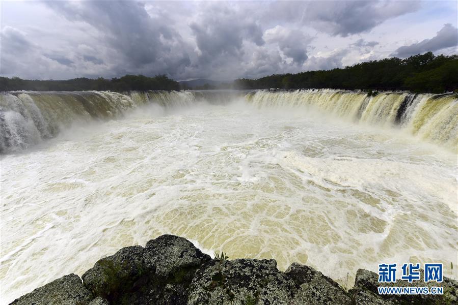 #(环境)(1)黑龙江牡丹江:镜泊湖大瀑布引客来