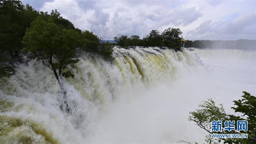 #(环境)(2)黑龙江牡丹江:镜泊湖大瀑布引客来