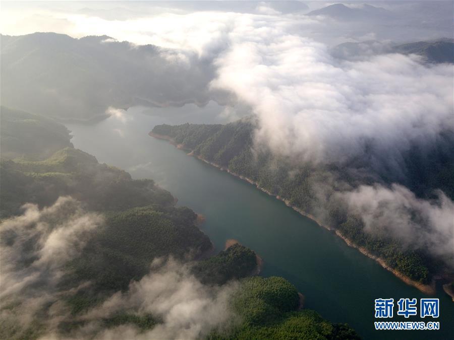 (美丽中国)(1)大别山深处的夏日美景