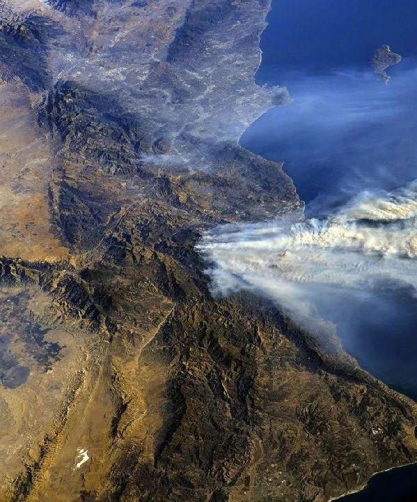 加州告急!山火肆虐如末日降临,中国留学生心
