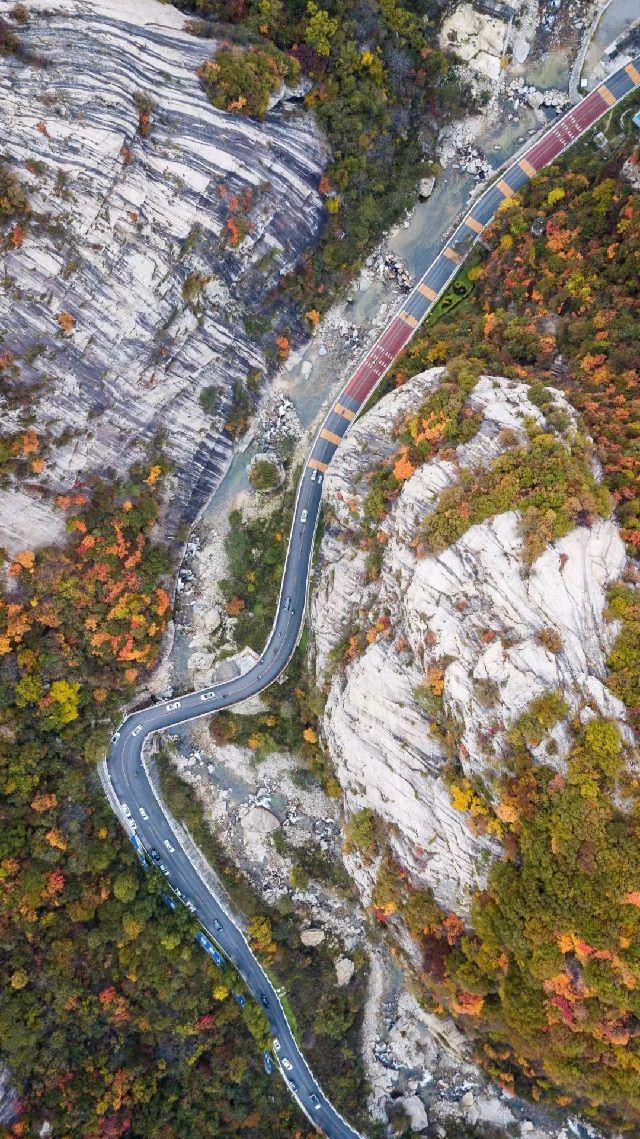 直抵广西南宁的国道 g210   在陕西南部穿越   横亘东西的秦岭山脉