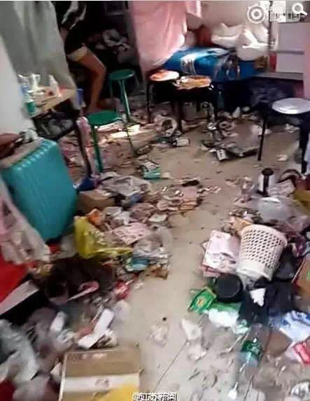 校园 这就是传说中的女生宿舍