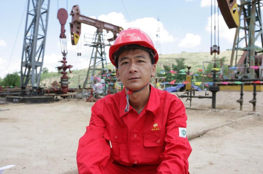 杨义兴在油田