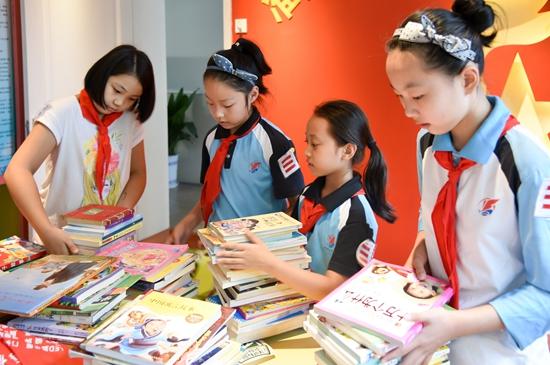 华润怡宝百图计划一场特殊的慈善启蒙教育昆明盘龙区小学图片