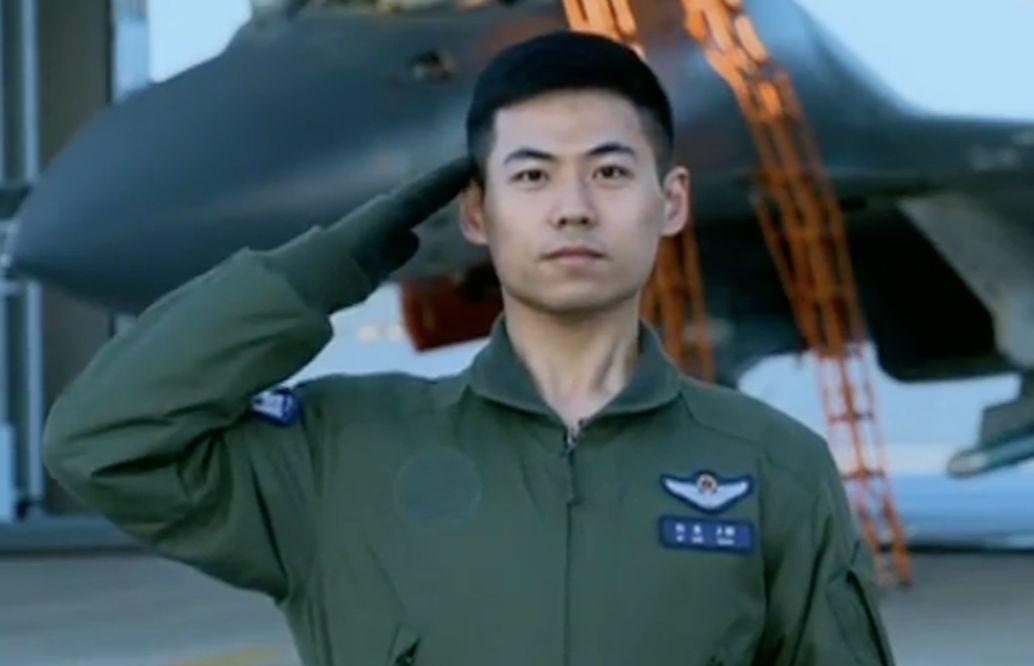 """中国空军""""七机穿云""""除了帅,背后还有一条硬道理"""