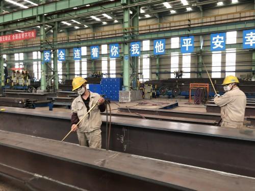 """【中国梦 大国工匠篇】三代""""焊""""将筑基 他们让中国建筑走向世界"""