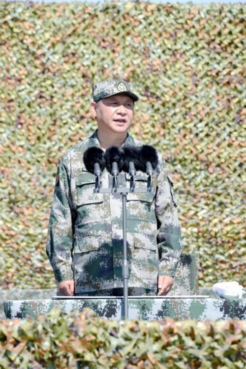 2017年7月30日上午,庆祝中国人民解放军建军90周年阅兵在朱日和联合训练基地隆重举行。来源:新华社