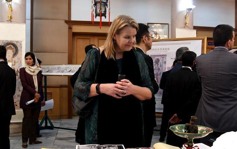 "(XHDW)(1)""丝绸之路文化之夜""艺术展在阿富汗举行"