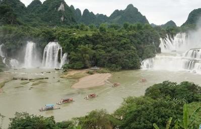#(环境)(4)广西崇左:德天瀑布进入最佳观赏期