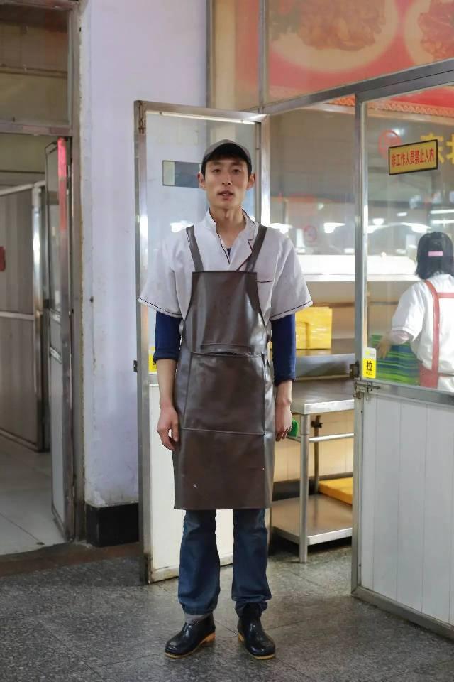 青岛农业大学外国语学院副教授,   ▼  韩桂菊  ▼  王志川