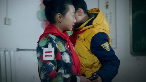 【中国梦微电影】《一道杠》:谁之过?小学生课堂惊现官场斗