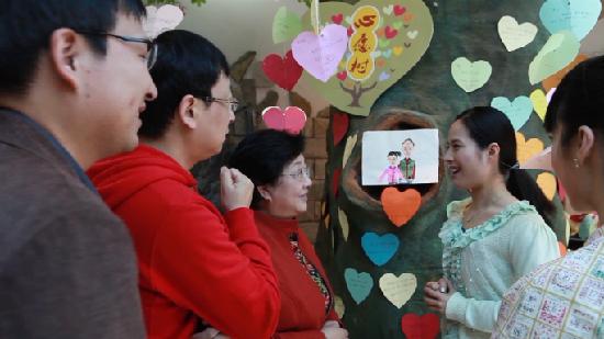 【中国梦微电影】《梦梦的梦想》:社区虚拟爱心之家助梦想成真