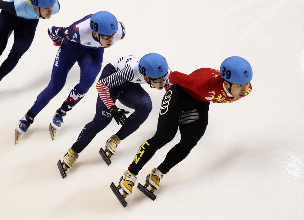 中国队获得短道速滑男子5000米接力冠军