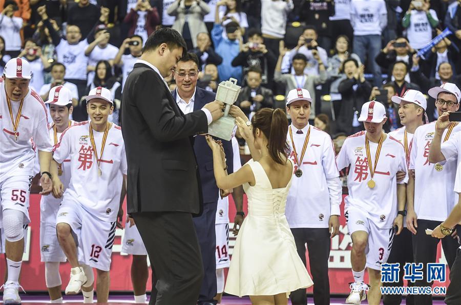 (体育)(15)篮球——CBA总决赛:辽宁本钢夺得总冠军