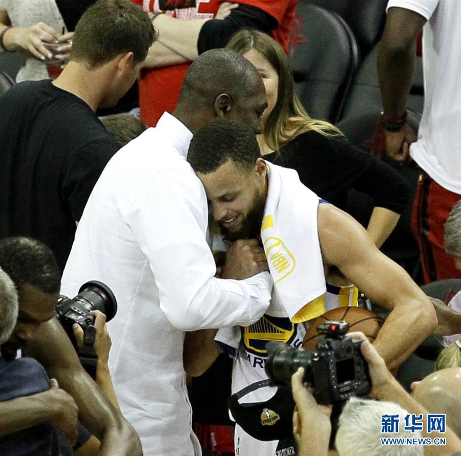 (体育)(4)篮球——NBA西部决赛:勇士队晋级总决赛