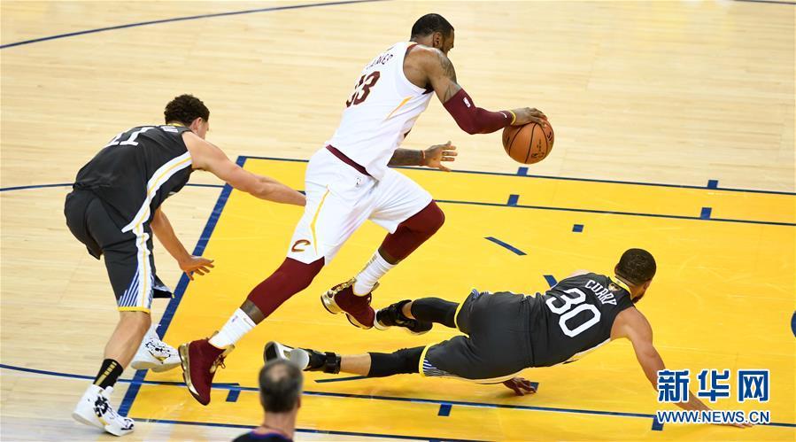(体育)(3)篮球——NBA总决赛第二场:勇士胜骑士