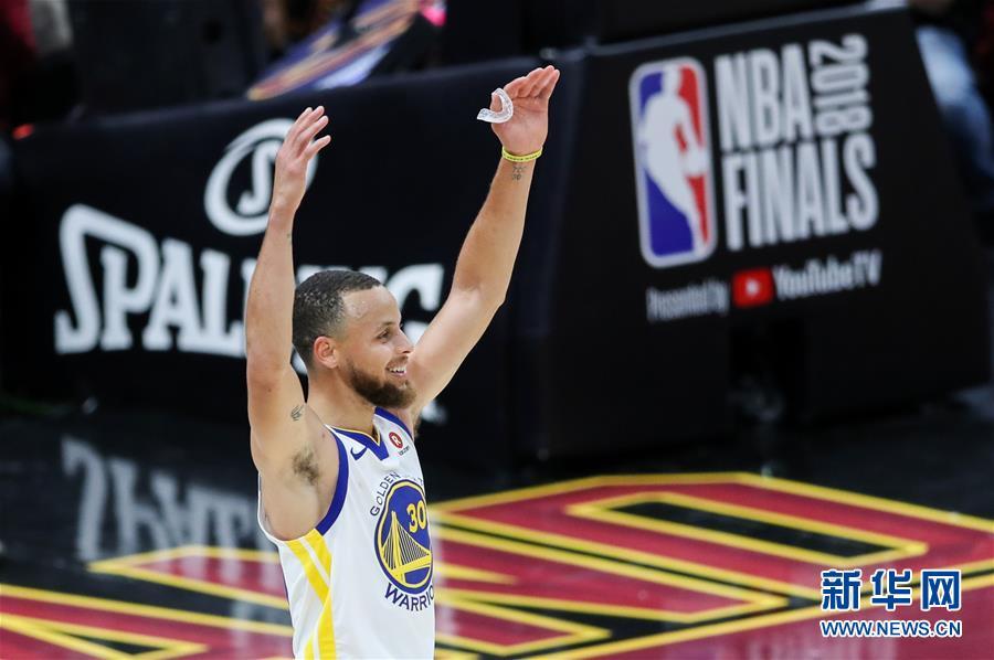 (体育)(1)篮球——NBA总决赛第三场:勇士胜骑士