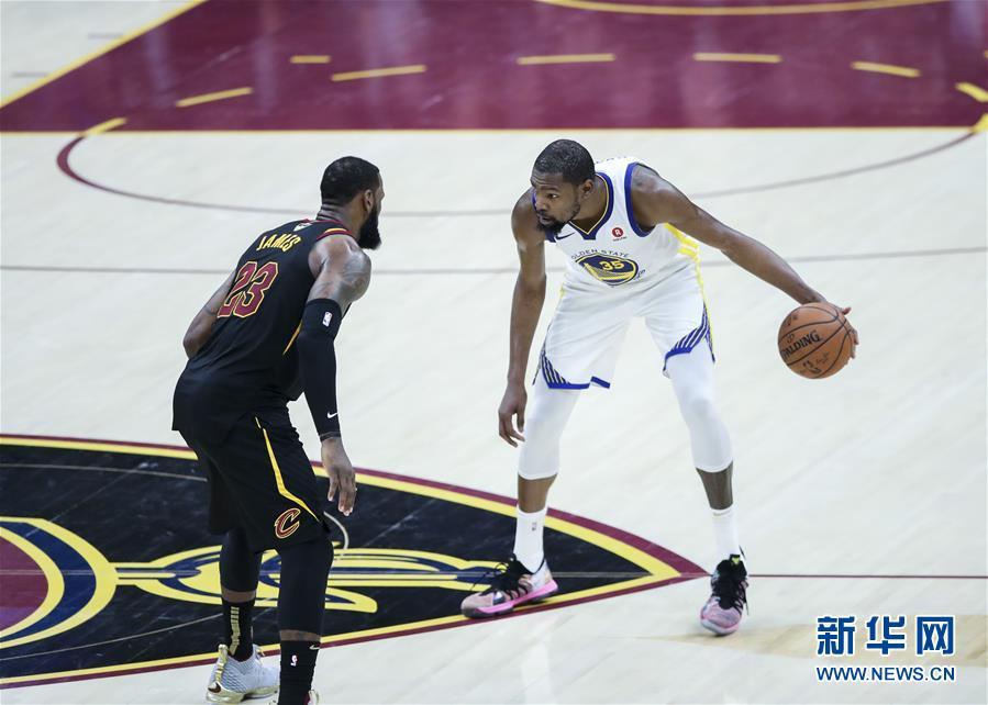 (体育)(2)篮球——NBA总决赛第三场:勇士胜骑士